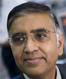 This is a picture of Ramki Ramakrishnan, Author, Wavetimes